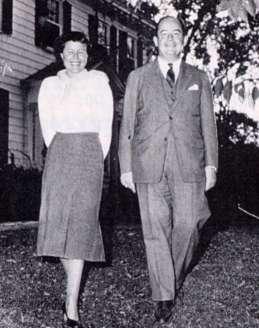 Klara Dan Von Neumann con su esposo el matemático John Von Neumann